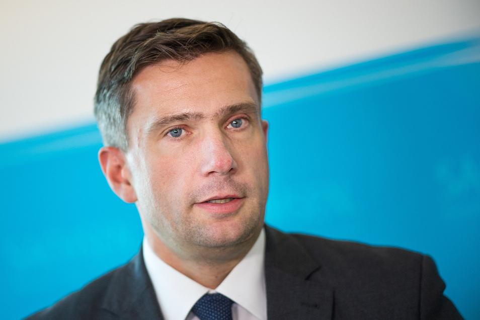 Martin Dulig (46) ist seit 2014 Sachsens Staatsminister für Wirtschaft, Arbeit, Verkehr. Der sechsfache Familienvater ist zudem SPD-Landeschef.