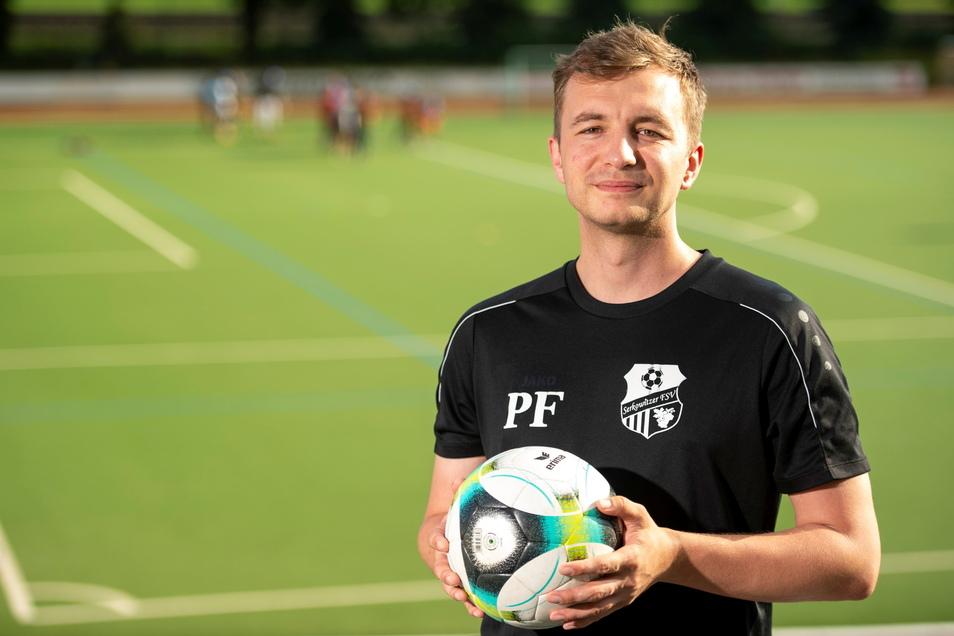 Ein junger Verein hat einen jungen Chef. Patrick Fischer, Vorstandsvorsitzender des Serkowitzer FSV, war ein Jahr alt, als der Radebeuler Fußballverein aus der Taufe gehoben wurde. Nachwuchsarbeit ist dem Verein sehr wichtig.
