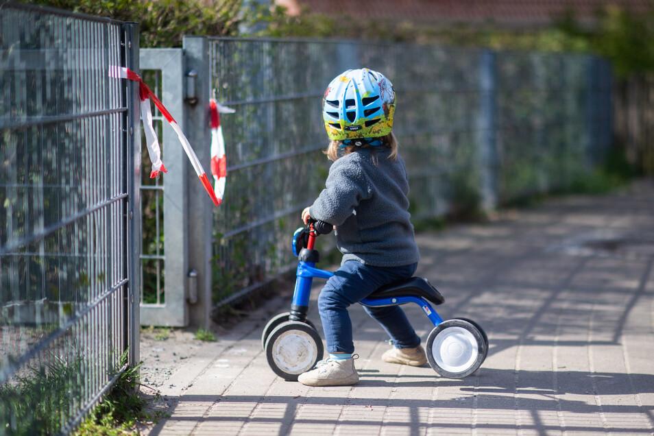 Rund 20 Prozent der Kinder in Sachsen sind in Notbetreuung, das heißt, sie gehen auch in der Pandemie weiter in die Krippe oder die Kita. Die restlichen 80 Prozent dürfen nicht rein.