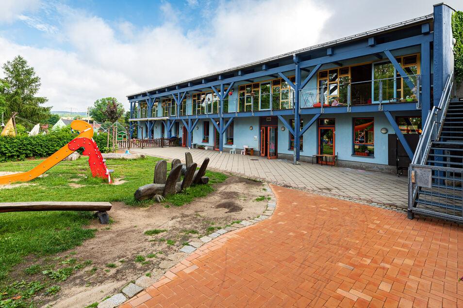 Das Gebäude der Kita Querx Valentin in Neukirch wurde zuletzt 2002 umfassend saniert. Inzwischen sind Nachbesserungsarbeiten notwendig.