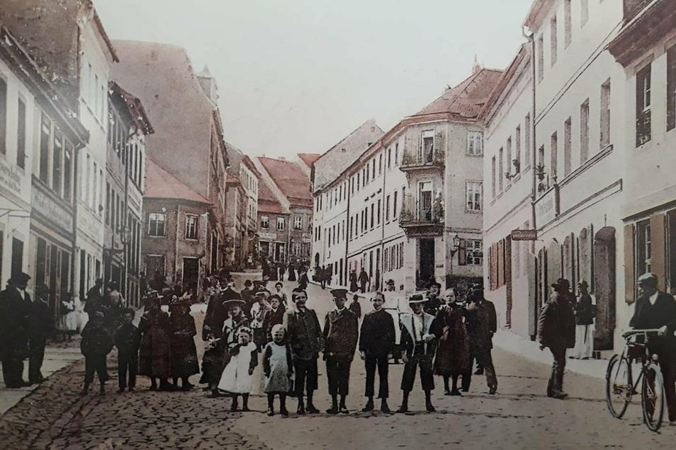 So sah die Bautzner Straße in Kamenz um 1920 aus, wie die historische Ansichtskarte zeigt.