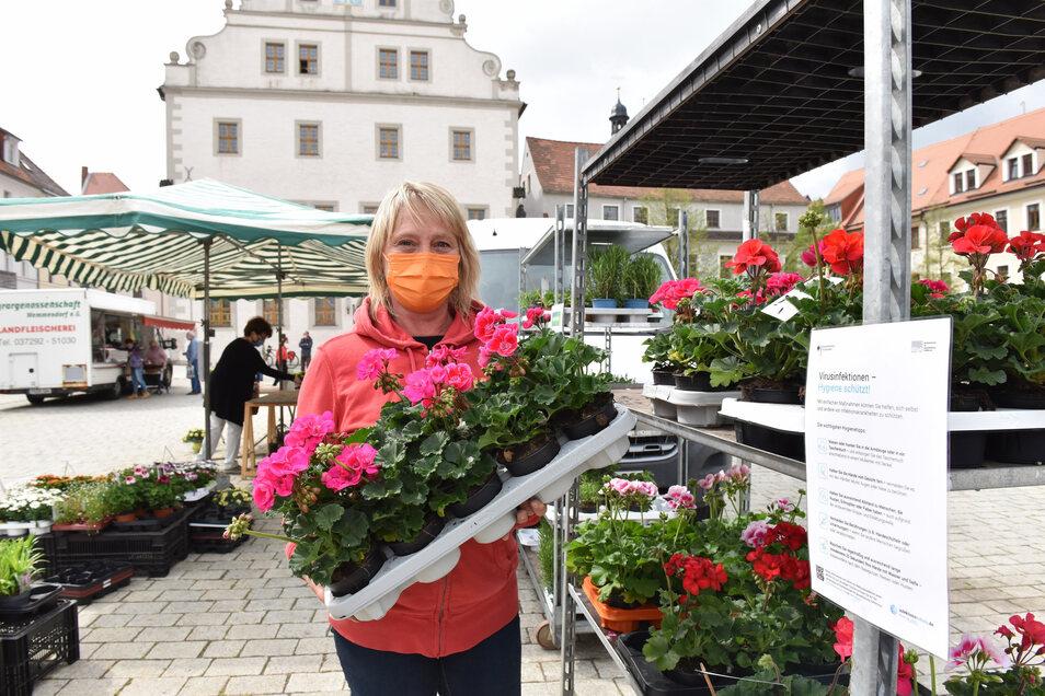 Der Wochenmarkt in Dipps hat vergangene Woche zum ersten Mal wieder geöffnet - mit besonderen Vorsichtsmaßnahmen.