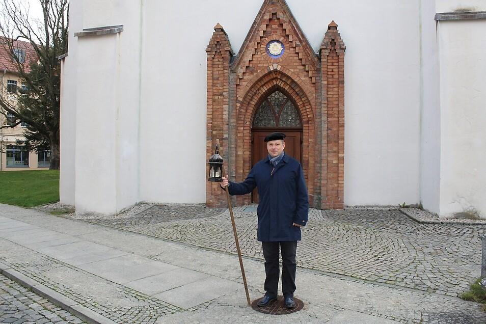 """Ab dem 2. Dezember ist Torsten Vogel wieder beim """"Lebendigen Adventskalender"""" unterwegs. Hinter jedem Türchen wartet eine andere Aktion."""