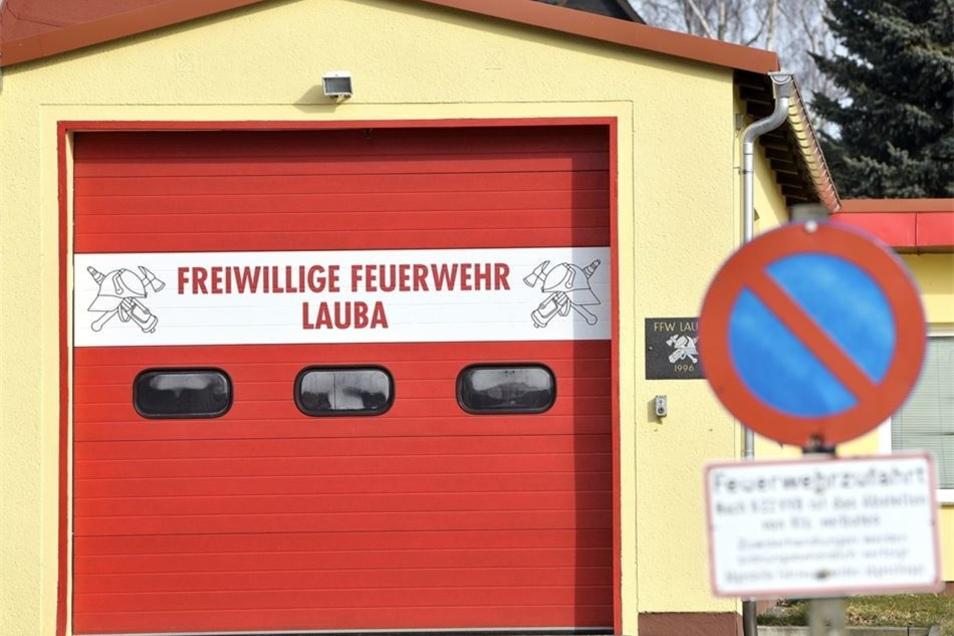"""Das Depot der Feuerwehr im Ortsteil Lauba bekam vom Gutachter ein """"Mangelhaft""""."""