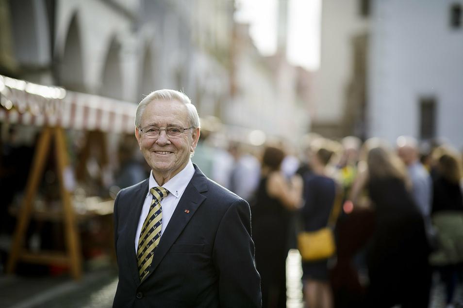 Hilmar Börsing begleitete als Chefredakteur des Wiesbadener Kuriers die Gründung der Städtepartnerschaft Görlitz-Wiesbaden. Seit Sonnabend ist er Mitglied im Partnerschaftsverein.