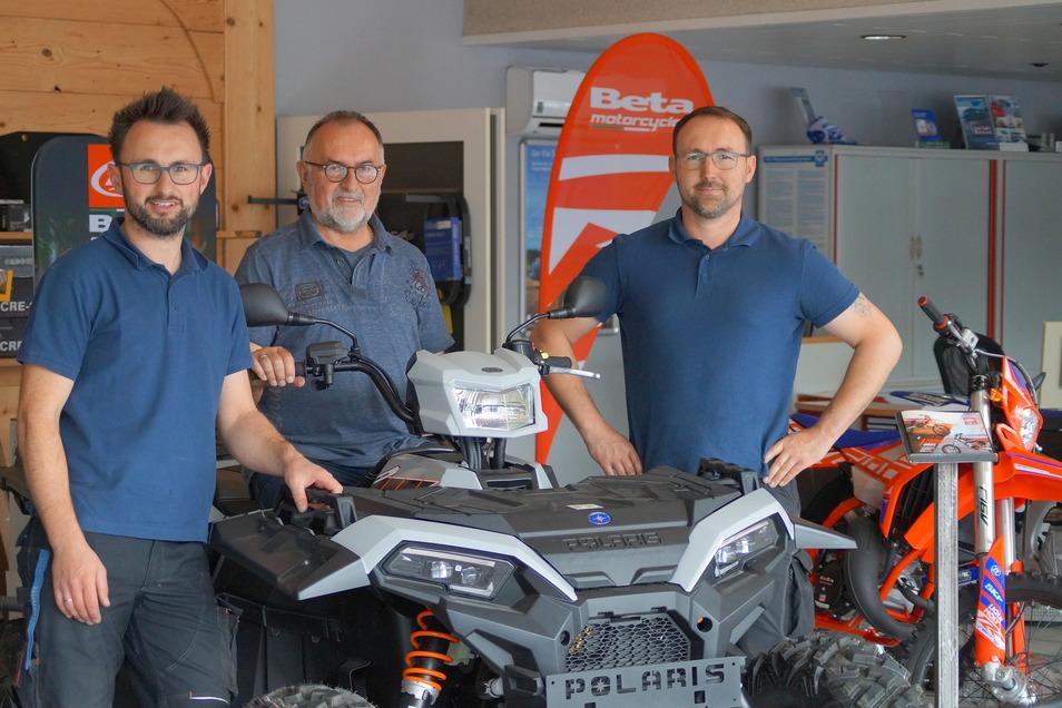 Von links nach rechts: Ronny Urland, Klaus Urland (Vater von Ronny und Maik) und Maik Urland