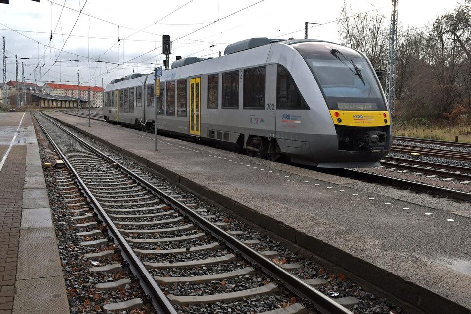 Die Döbelner wollen eine schnelle Verbindung nach Dresden auf der Schiene. Ob und welche Variante umgesetzt werden kann, muss nun geklärt werden.