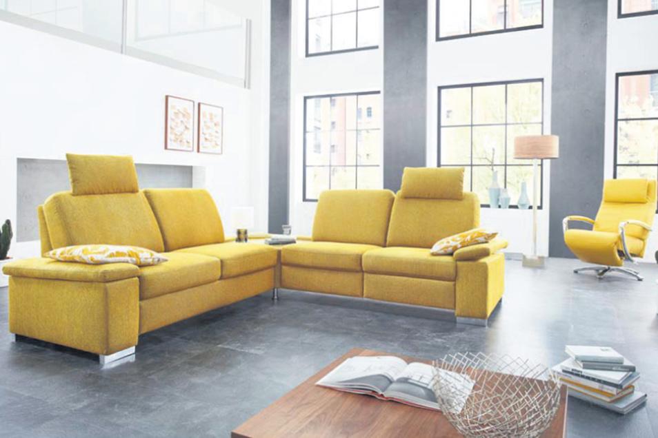 Farbe ins Leben bringen mit einer funktionellen Polstergarnitur: Jetzt zum Jubiläumspreis bei Möbel Hülsbusch.