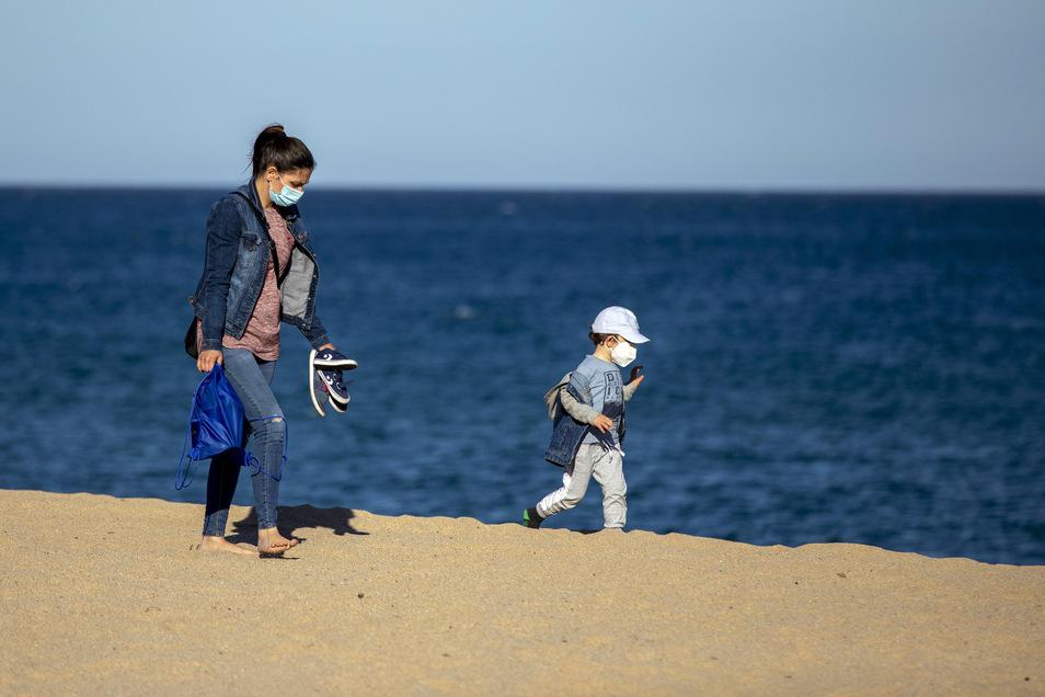Mit Maske an den Strand? Darauf haben wahrscheinlich die wenigsten Lust.