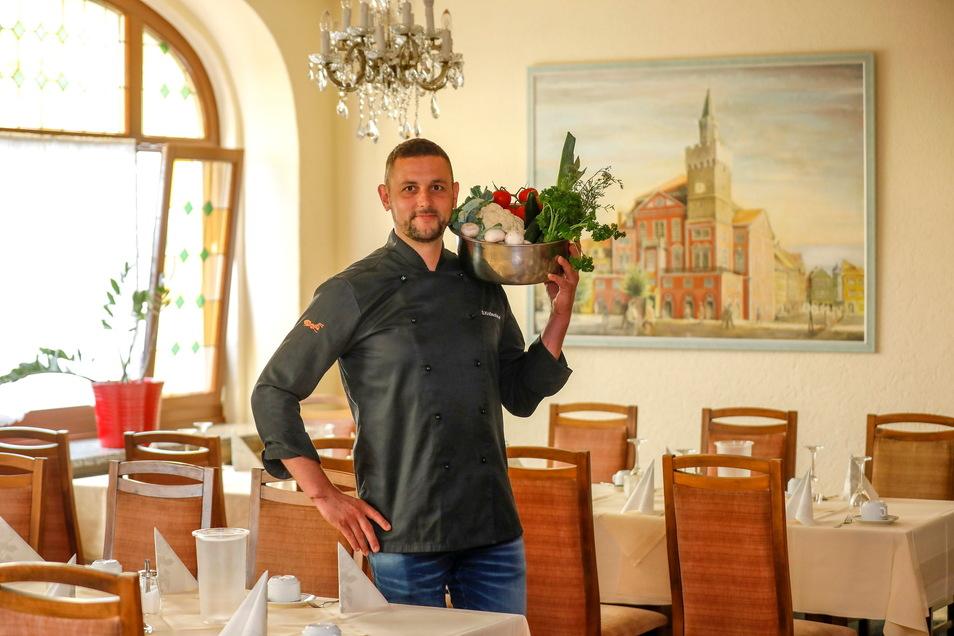 Alles ganz frisch: Sebastian Knöschke kocht seit Februar in und für das Hotel Stadt Löbau. Er setzt auf regionale und frische Produkte.
