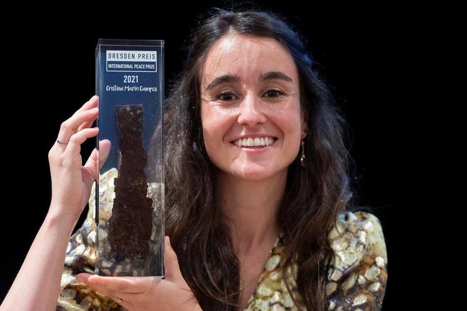 """""""Hohes Risiko für ihr eigenes Leben"""": Die Ärztin Cristina Marin Campos wird in Dresden für Ihr Engagement während der Corona-Krise ausgezeichnet."""