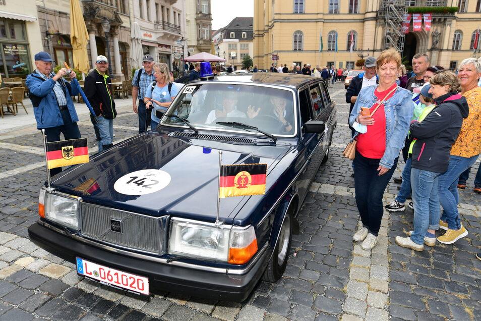 Ganz zum Schluss kam der Volvo mit Wolfgang Lippert in Zittau an. Einst wurde Erich Honecker in diesem Auto kutschiert.