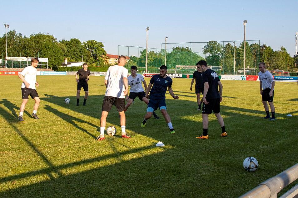 In der Vorwoche ging im Willy-Tröger-Stadion endlich das erste Mannschaftstraining seit Oktober 2020 über die Bühne.