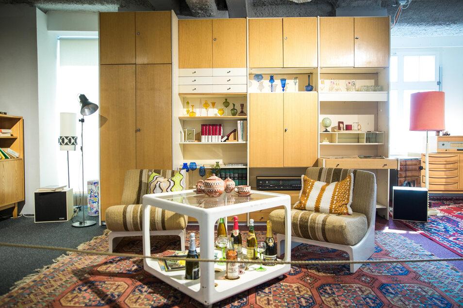 """Horn gilt als """"Vater"""" der Hellerauer Möbelserie MDW (Montagemöbel Deutsche Werkstätten) - einer variablen DDR-Möbelserie, auch als das """"Ikea des Ostens"""" bekannt."""