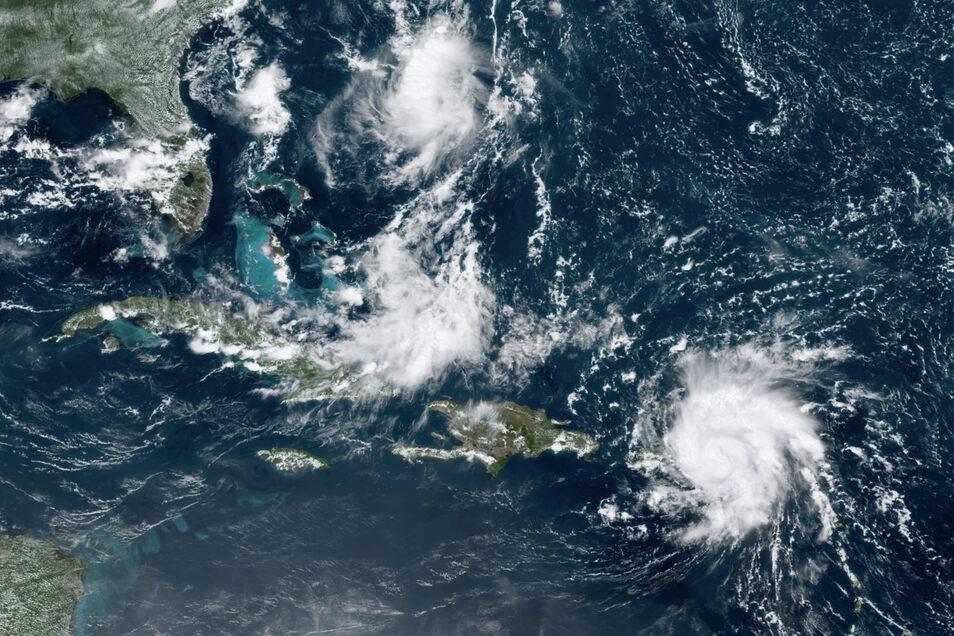 """Auf diesem Satellitenbild von Mittwoch ist gut zu erkennen, wie sich Hurrikan """"Dorian"""" auf die Südostküste der USA zubewegt. Am Sonntag könnte der Sturm in Florida auf Land treffen."""
