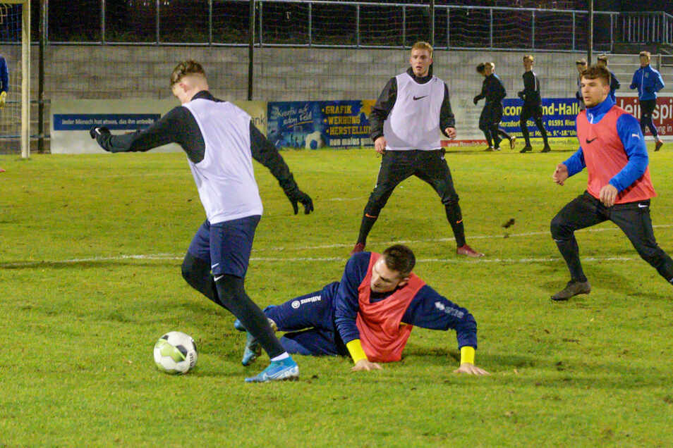 Training in der Feralpi-Arena - das ist der ersten Mannschaft von Stahl Riesa vorbehalten.