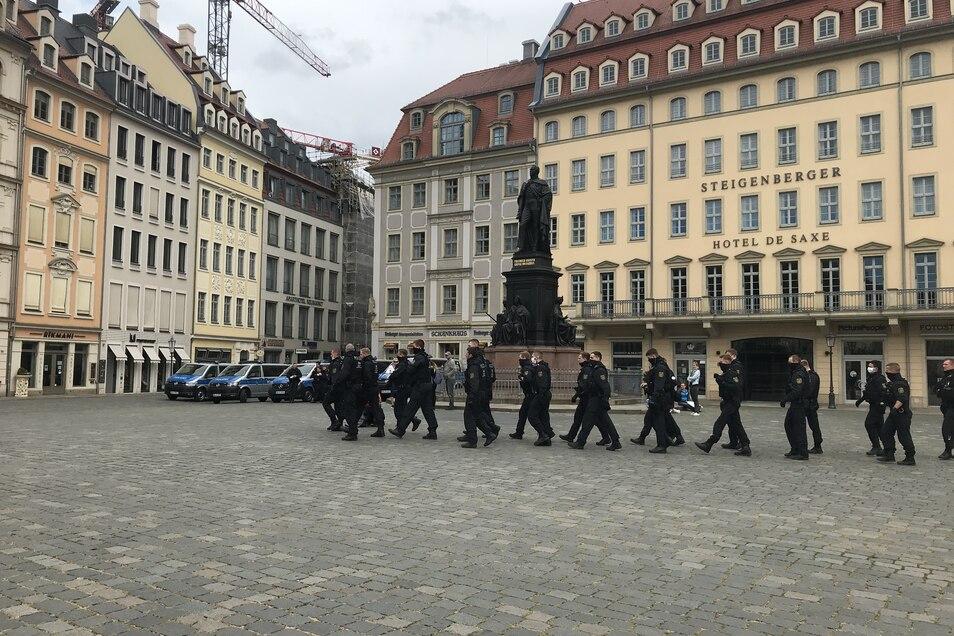 Viele Polizisten waren am 1. Mai bei der Kundgebung vor Ort.