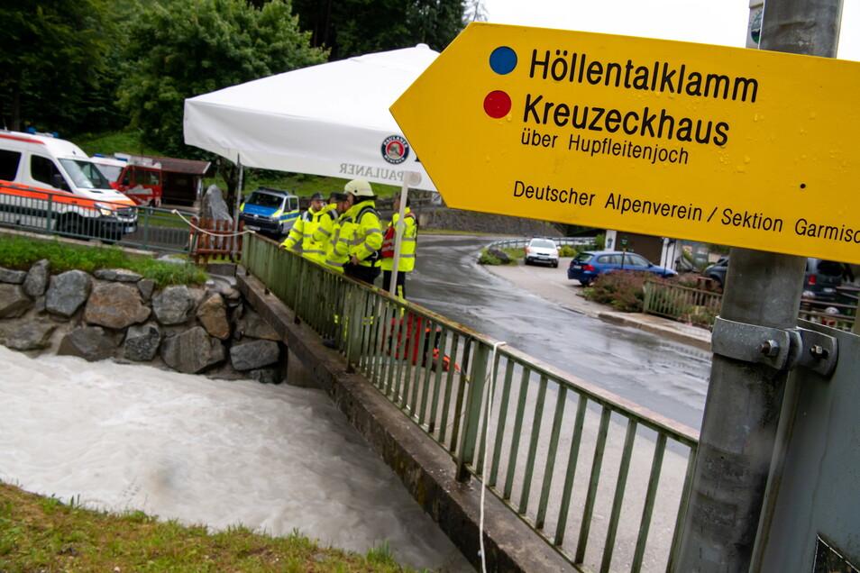 Am Fuß der Zugspitze liegt die bei Wanderern beliebte Höllentalklamm.