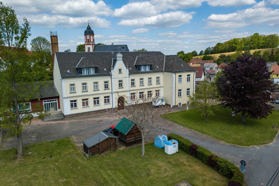 Die Gestaltung des Dorfplatzes in Schrebitz ist im Jahr 2020 begonnen worden und wird im neuen Jahr zu Ende geführt.