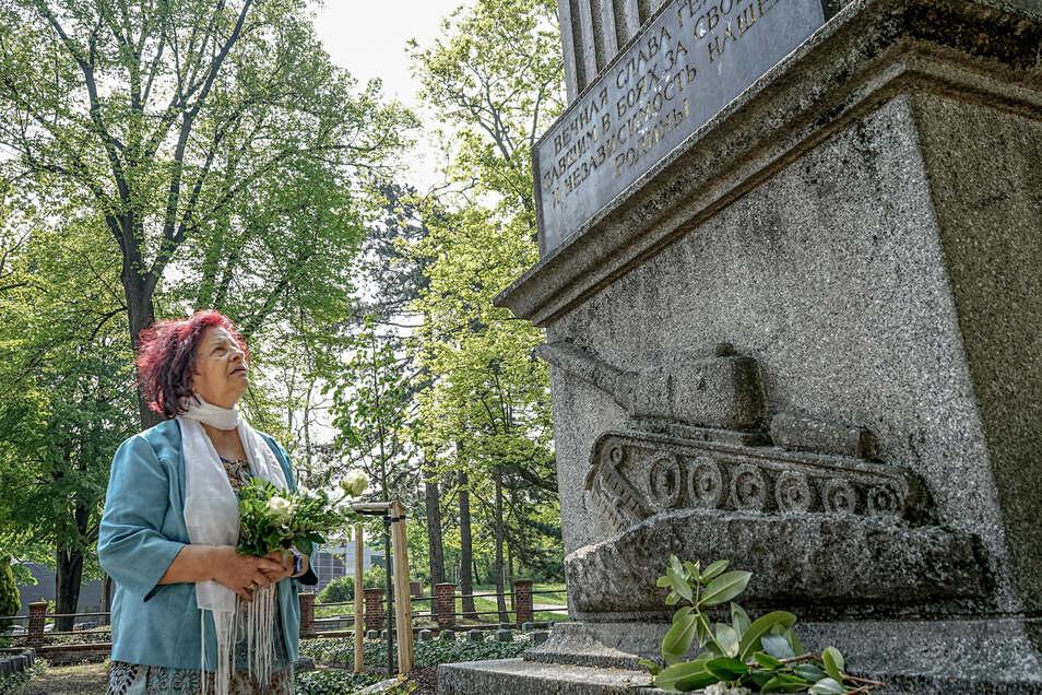 Am sowjetischen Ehrenmal am Ziegelwall in Bautzen wird jedes Jahr am 8. Mai den Opfern des Zweiten Weltkrieges gedacht. Für Mitorganisatorin Ingrid Heyser war klar, dass bei der Veranstaltung auch Schüler auftreten werden. Doch es kommt anders.