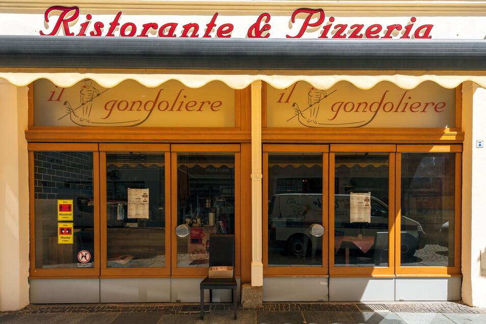 Sobald Außengastronomie erlaubt ist, will Hans-Joachim Selzer vor seinem neuen Restaurant in der Reichenstraße Stühle und Tische aufstellen. Bis dahin fokussiert er sich auf Außer-Haus-Angebote.