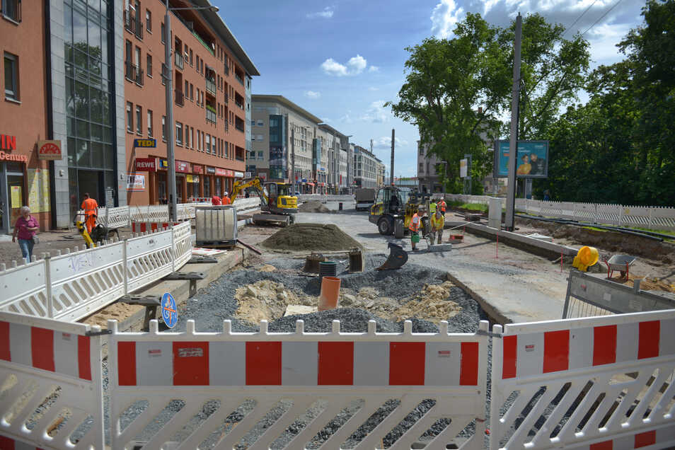 Seit langen eine einzige Baustelle: Blick auf die Baustelle Kesselsdorfer Straße