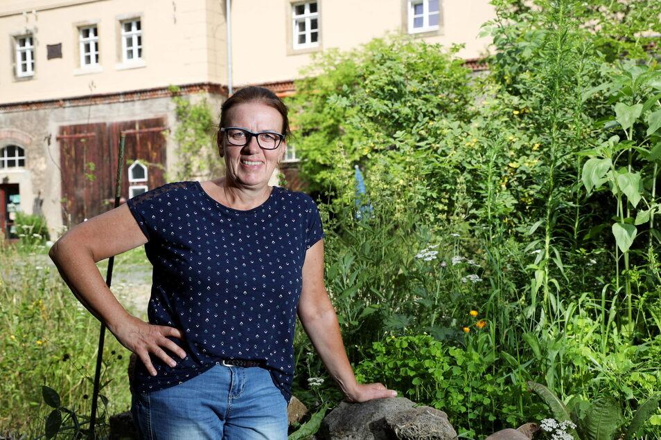 Carola Richter in Jahnishausen. Auf dem Gut finden gleich mehrere Kurse der Sommerakademie statt.