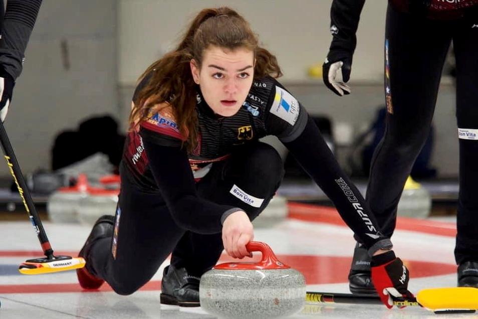 Klara-Hermine Fomm ist 21 Jahre alt, Studentin und seit 2018 ein fester Bestandteil der deutschen Curling-Nationalmannschaft.
