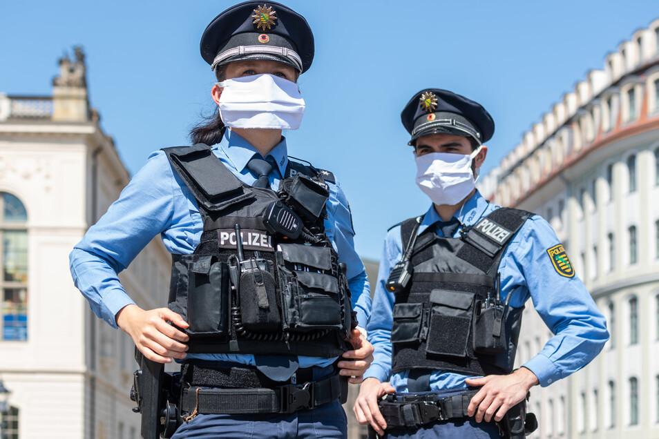 Polizisten achten gerade besonders auf die Einhaltung der Regeln.
