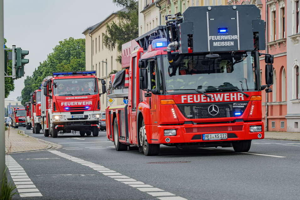 Mit einem Fahrzeugcorso durch die Stadt feierte die Freiwillige Feuerwehr am Samstag ihr 180-jähriges Bestehen.