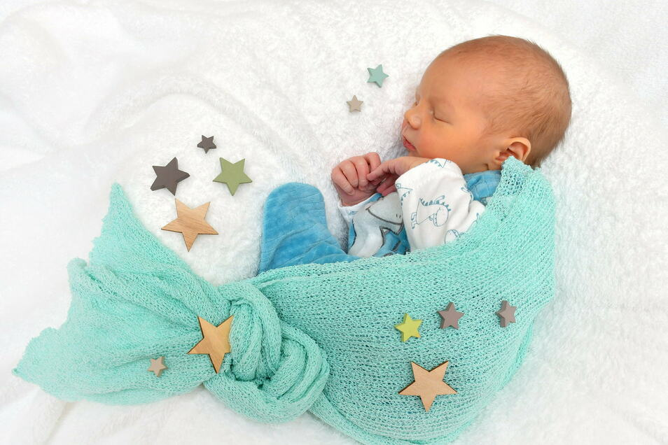Franz, geboren am 25. November, Geburtsort: Freital, Gewicht: 3.345 Gramm, Größe: 52 Zentimeter, Eltern: Cornelia und Marko Barwanietz, Wohnort: Bannewitz