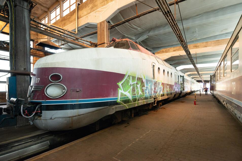 Der Dieselexpresszug aus Görlitz steht derzeit in Dresden und soll wieder flott gemacht werden.