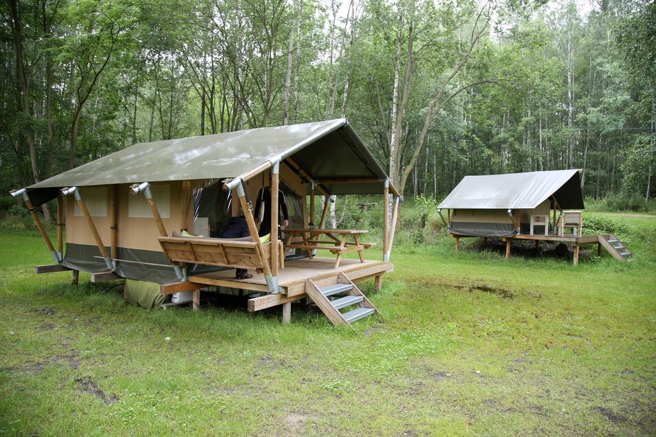 Drei Safarizelte stehen seit 2019 mit auf dem Campingplatz - eine weitere ungewöhnliche Übernachtungsmöglichkeit.