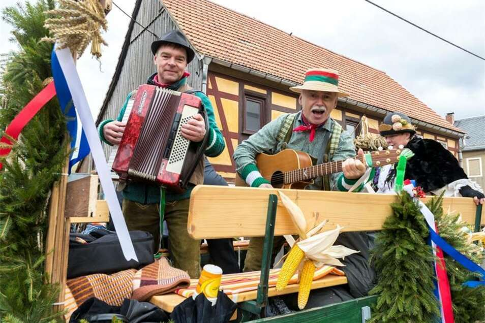 Der Heimatverein begeisterte die Zuschauer mit handgemachter Musik. Marko Förster