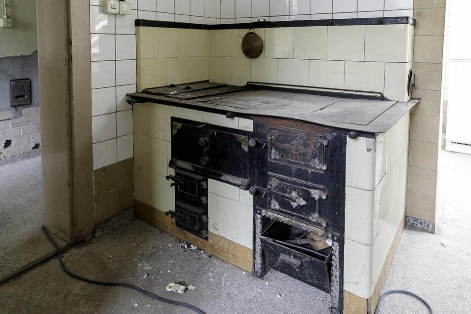 Der alte Küchenofen im Untergeschoss soll saniert und als Sommerküche genutzt werden.