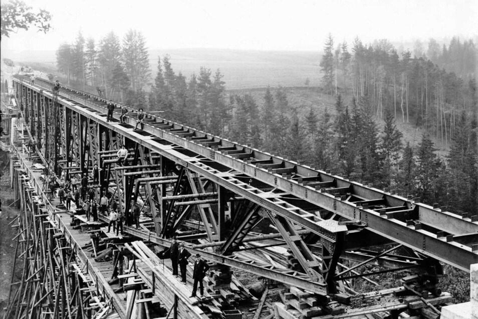 Die 1908 gebaute Brücke über den Stausee Pilchowice (Mauer) in Niederschlesien soll für Filmarbeiten gesprengt werden.