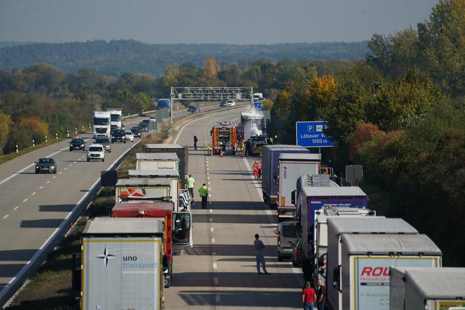 Auf der Autobahn in Richtung Görlitz hatte sich ein langer Stau gebildet.