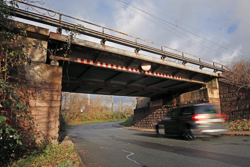Welche Brücken in Sachsen nicht mehr wirtschaftlich sanierbar sind, teilte die Bahn nicht mit.