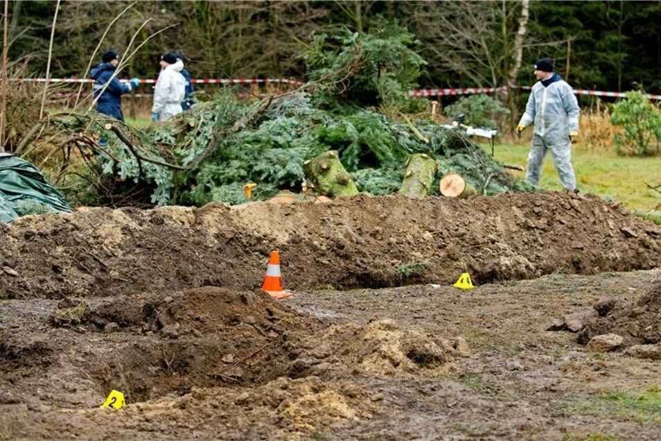 Der Garten wird komplett umgegraben.
