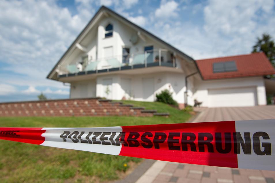 Blick auf den Tatort: das WohnhausLübckesin Wolfhagen-Istha