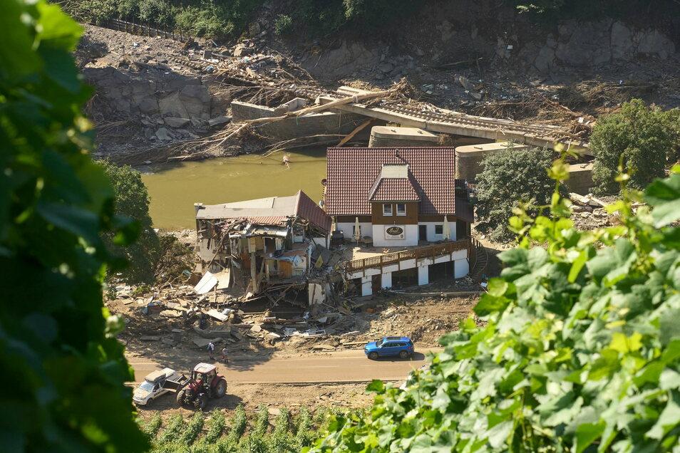 Die Verheerungen im Westen der Bundesrepublik erinnern viele an die Flut 2002.