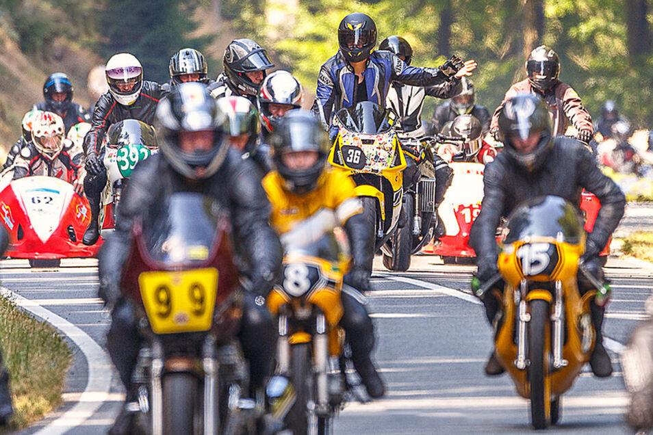 Das einzige vom DMSB lizenzierte Bergrennen für Motorräder auf der ältesten Naturrennstrecke in der Bundesrepublik Deutschland. Foto: PR