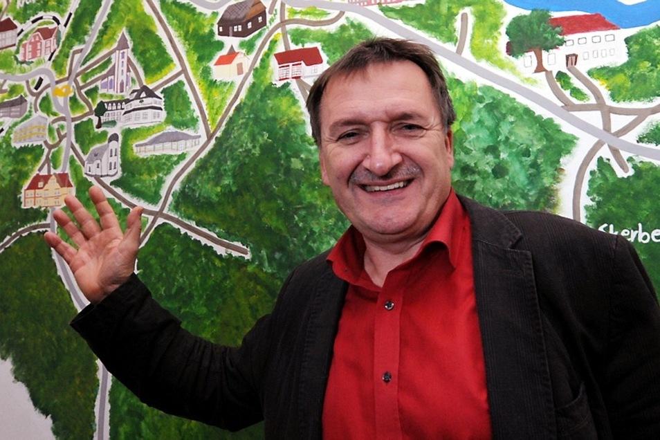 Bürgermeister Rüdiger Mönch hat viel erreicht. Von den Vorteilen einer Fusion konnte er die Bürger der Gemeinde Krauschwitz jedoch nicht überzeugen. Stattdessen gab es regelrechte verbale Angriffe gegen ihn. Deshalb zieht er jetzt einen Schlussstrich.