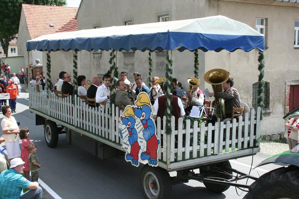 """Mit dabei bei der 700 Jah-rfeier von Eckartsberg waren auch die """"Original Jungpfälzer Musikanten"""" aus Dischingen."""