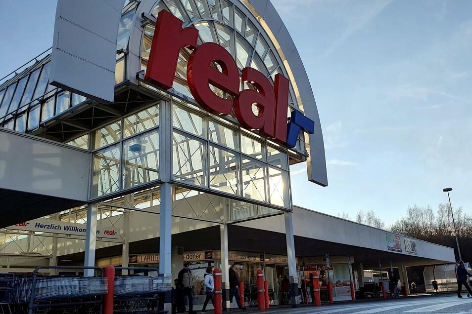 Soll Globus werden und Einkaufsmarkt bleiben: Heidenau kämpft um den Real-Standort.