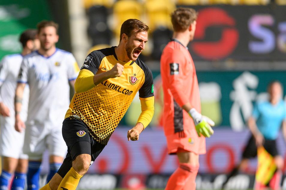 Dynamos Pascal Sohm erzielt den Treffer für Dynamo, danach vergeben die Dresdner noch drei gute Chancen - es bleibt beim 1:1 gegen Saarbrücken.