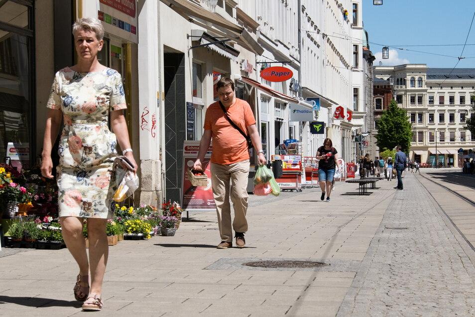 Immer ein bisschen was los auf der Berliner Straße in Görlitz: Die Einwohnerzahl ist im Juli leicht gestiegen.