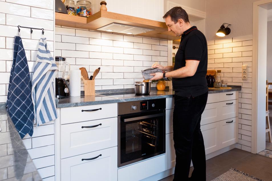 Das Angebot an Küchen ist riesig. Da man aber nur eine Küche einbauen kann, braucht es eine ungefähre Vorstellung was man möchte und einen guten Berater.