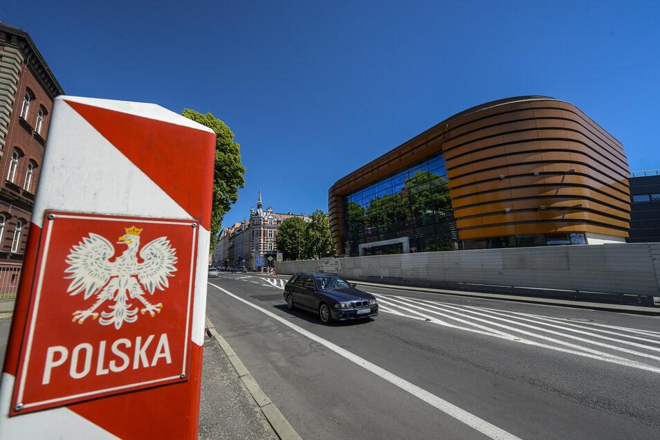 Baustelle Einkaufszentrum in Zgorzelec an der Neisse in der Nähe der Stadtbrücke