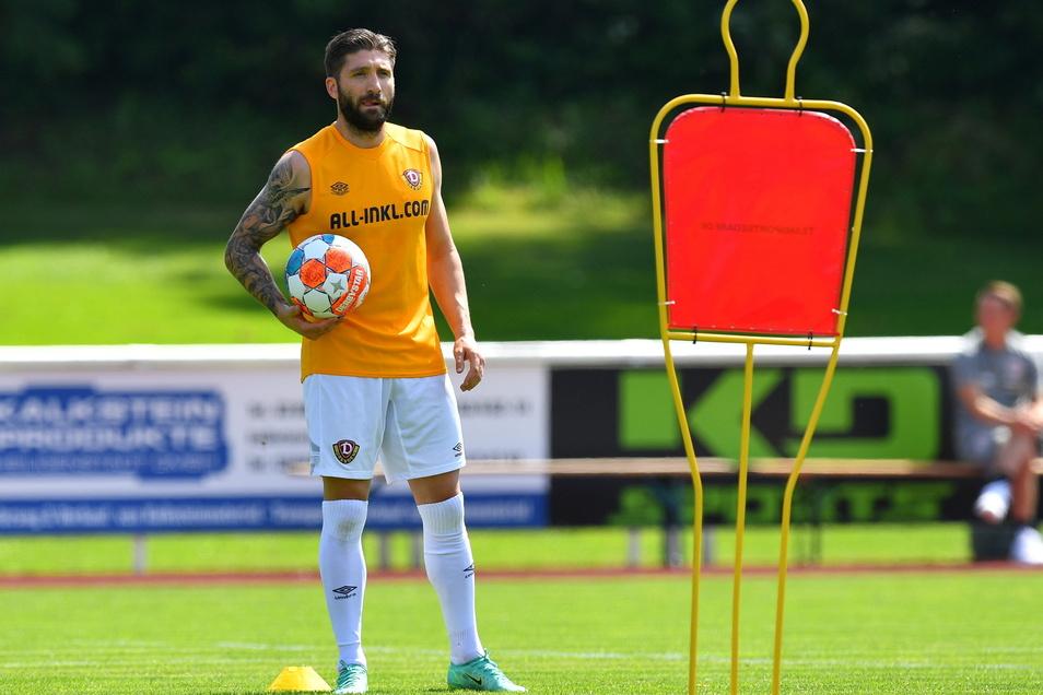 Neuzugang Brandon Borrello asbolviert vor dem Test gegen Eintracht Braunschweig ein individuelles Training.